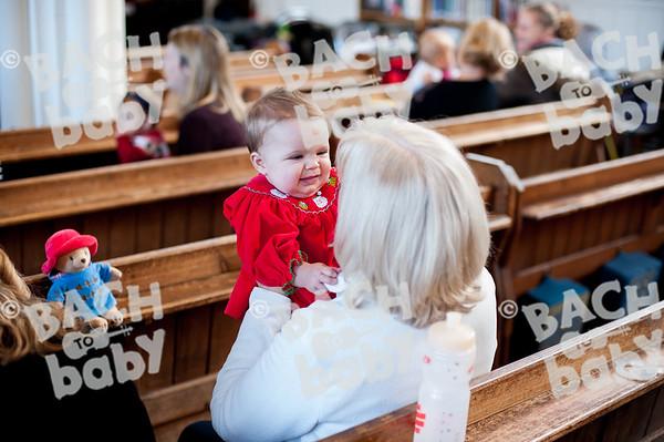 ©Bach to Baby 2018_Laura Woodrow_Epsom_2018-12-14_ 30.jpg
