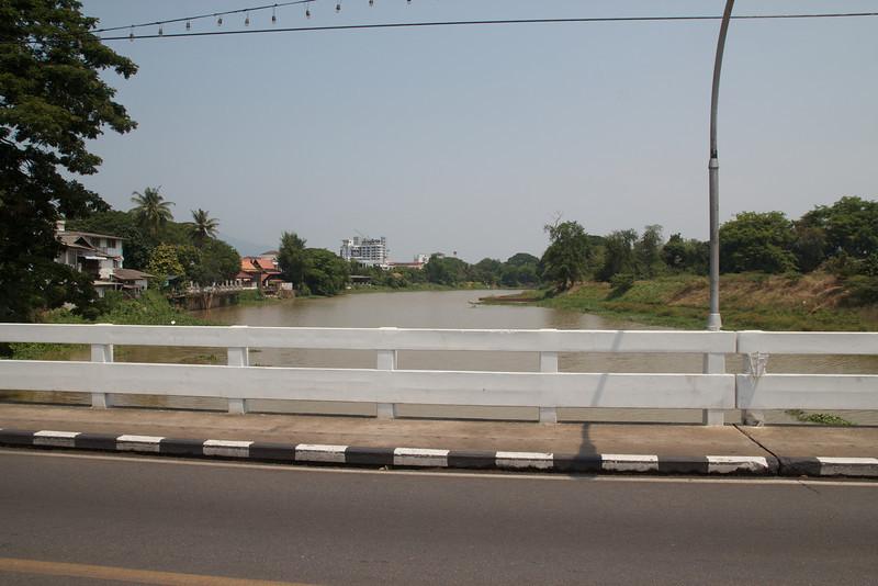 Roewe_Thailand 2.jpg