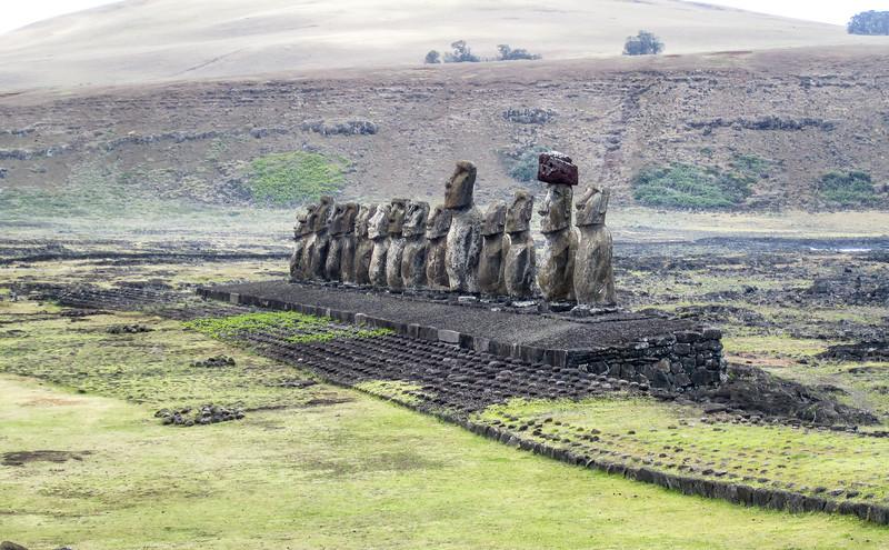 COVER-3000PX-easter-island-statues-moai-ahu-tongariki.jpg