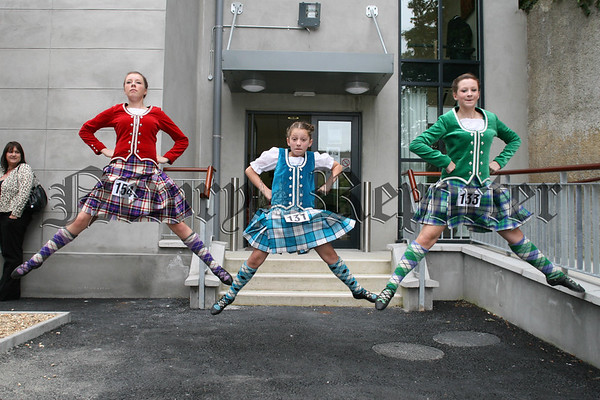 Naomi Campbell, Nicole & Kelly Hughes giving an exhibition of highland dancing, 07W37N68