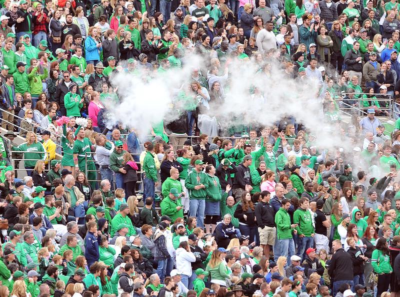 crowd9702.jpg