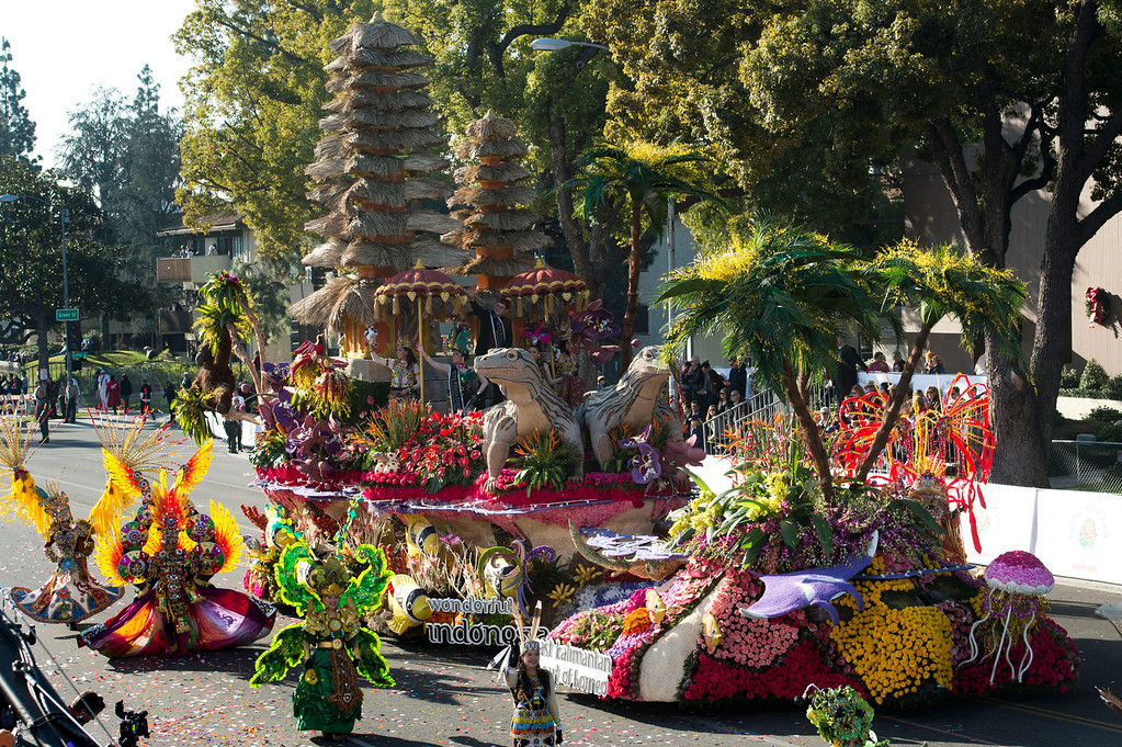 ". Ministry of Tourism and Creative Economy, Republic of Indonesia ""Wonderful Indonesia\"" float during 2014 Rose Parade in Pasadena, Calif. on January 1, 2014. This float won Directors\' award for outstanding artistic merit in design and floral presentation. (Staff photo by Leo Jarzomb/ Pasadena Star-News)"