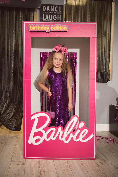 2020-0104-delaney-barbie-party-61.jpg