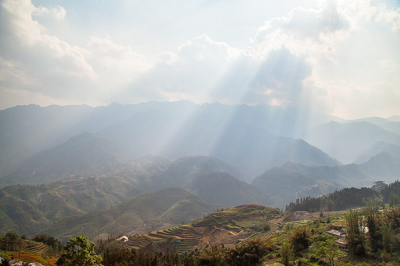 Sapa Rice Terraces Sun BeamsIMG_6703.jpg