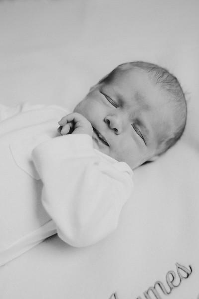 newborn-97edit.jpg