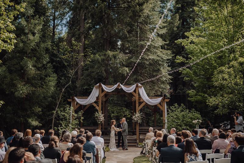 2018-05-12_ROEDER_JulieSeth_Wedding_ROEDER1_0130.jpg
