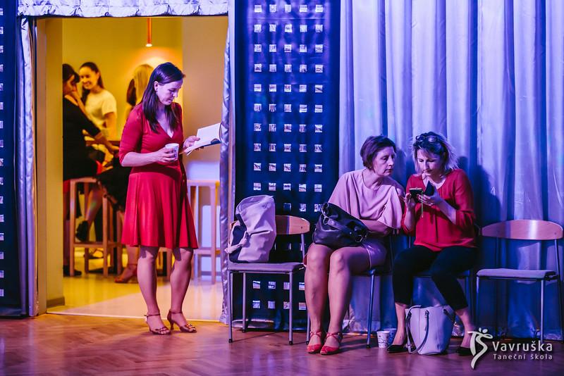 20191210-175620_0040-ladies-night-vavruska-charitas.jpg