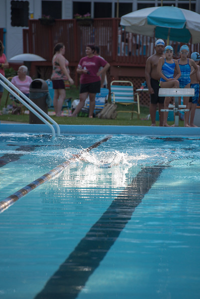 lcs_swimming_kevkramerphoto-040.jpg