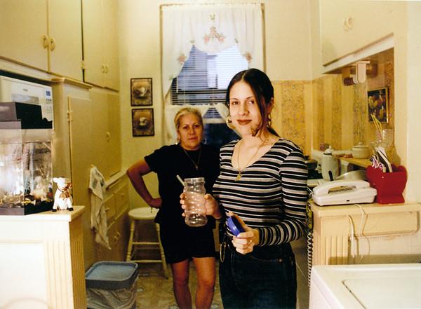 b_mom_kitchen.jpg