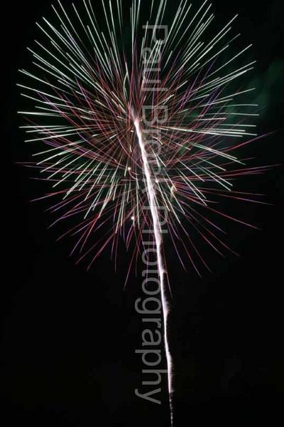 2007_1105roundwoodfireworks075.jpg