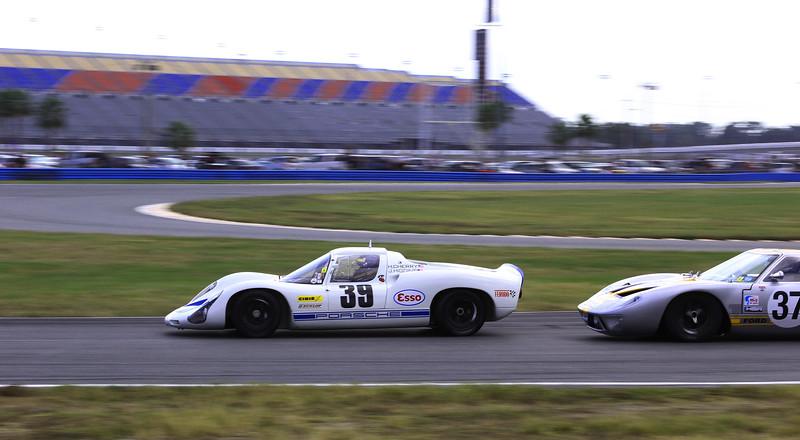 Classic24-2014_#4042-#39-Porsche910-GordGT-#37.jpg