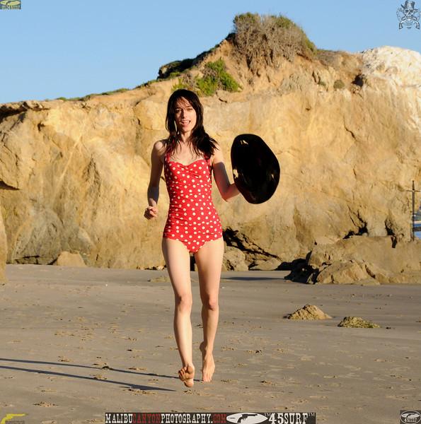 matador swimsuit malibu model 1160..00.jpg