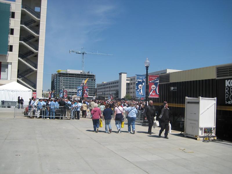 Pope Mass Nats Stadium 4-17-08 094.jpg