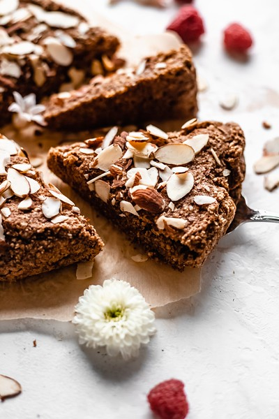Vegan Almond Cake - Vegan afternoon tea recipes