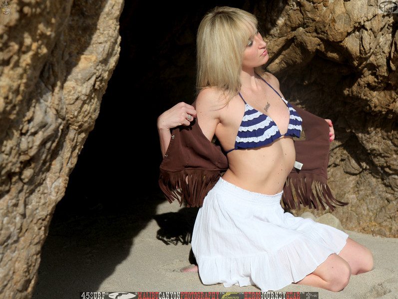 45asurf model swimsuit matador malibu swimsuit pretty woman 45 043,.kl,..,..jpg