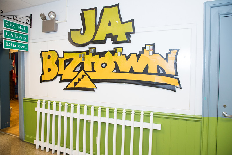 Fall 2017_Gives_JA BizTown-3420.jpg