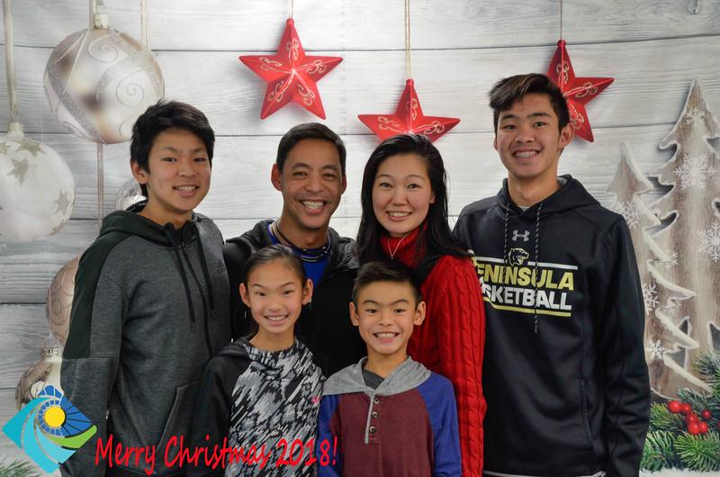 Christmas Photobooth 2018-034_01.jpg