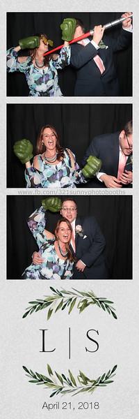 ELP0421 Lauren & Stephen wedding photobooth 23.jpg