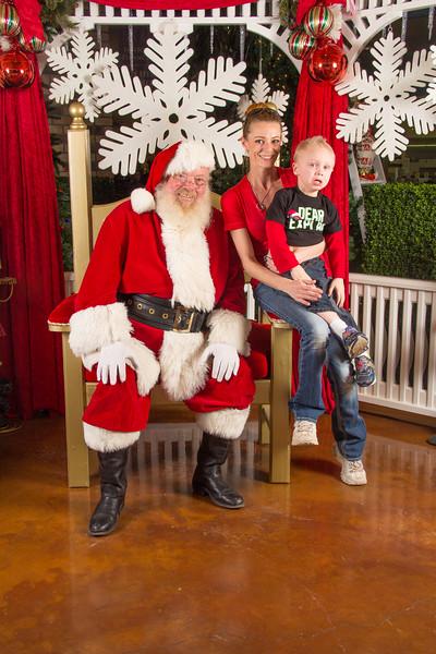 Santa 12-16-17-333.jpg