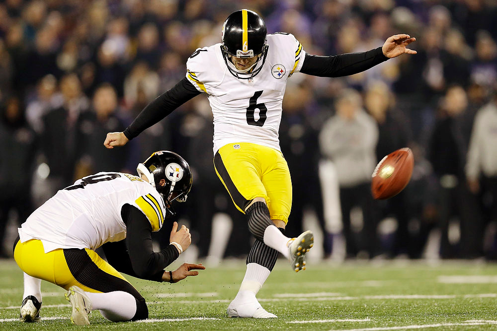 . Pittsburgh Steelers kicker Shaun Suisham makes the winning field goal during the second half of an NFL football game against the Baltimore Ravens in Baltimore, Sunday, Dec. 2, 2012. The Steelers won 23-20. (AP Photo/Patrick Semansky)