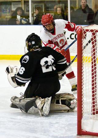 W. Ice Hockey