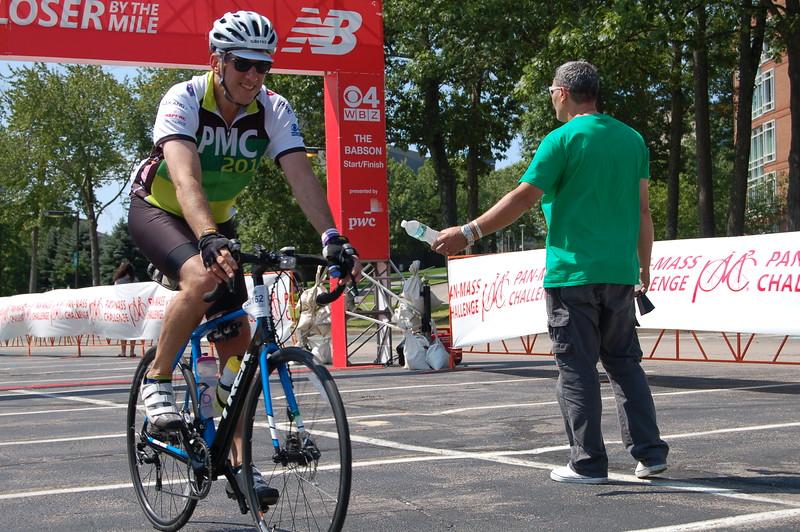 Sun-Wellesley-Rider-Volunteer-Finish-CK0101.jpg
