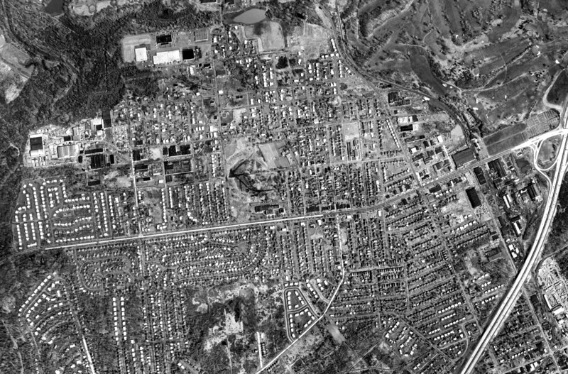 1961 aerial of Kenilworth. This very high resolution photo can be downloaded and enlarged to see greater detail.