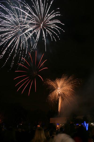2007_1102putneyfireworks099.JPG