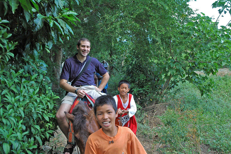 Horse ride (with guides) to the volcano ridge