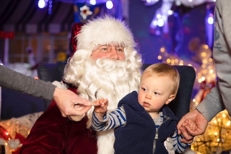12-08-19-Christmas With Chris & Family-37.jpg