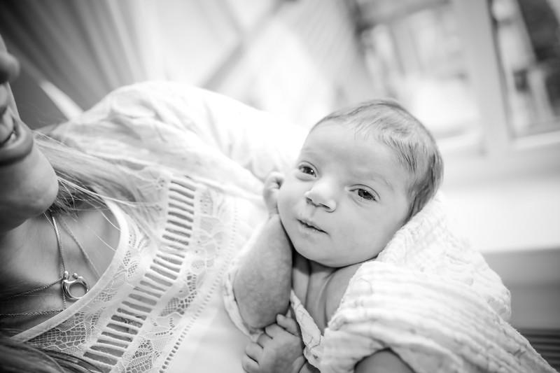 bw_newport_babies_photography_hoboken_at_home_newborn_shoot-5361.jpg