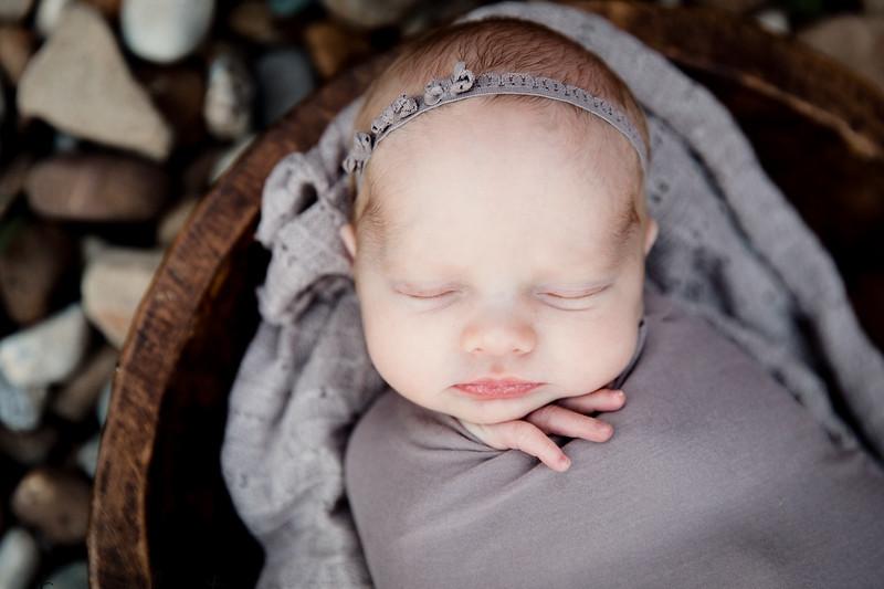 Autumn-Newborn-Low-Resolution370A0050-Edit.jpg