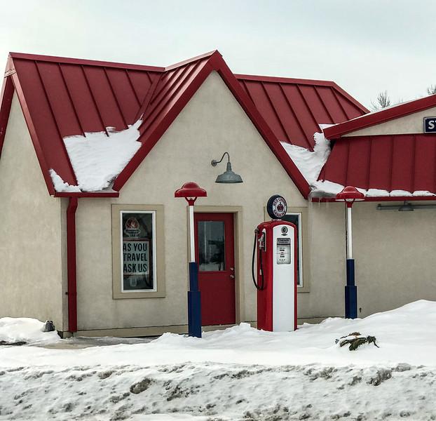 old Amoco gas station Prairie City IA  IMG_1539.jpg
