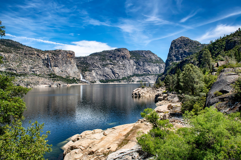Hetch Hetchy Reservoir and the Canyon Rim Hike