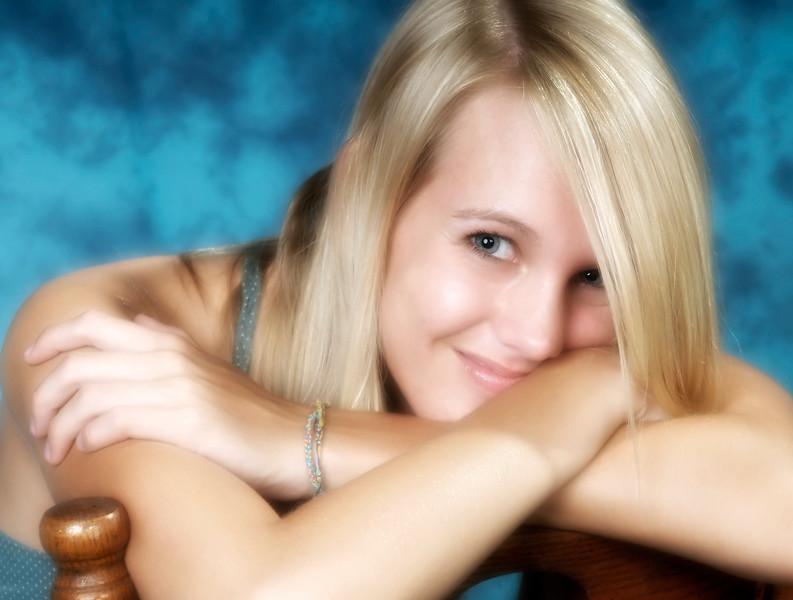 042c Shanna McCoy Senior Shoot - Studio (nik softfocus glamorglow) crop.jpg