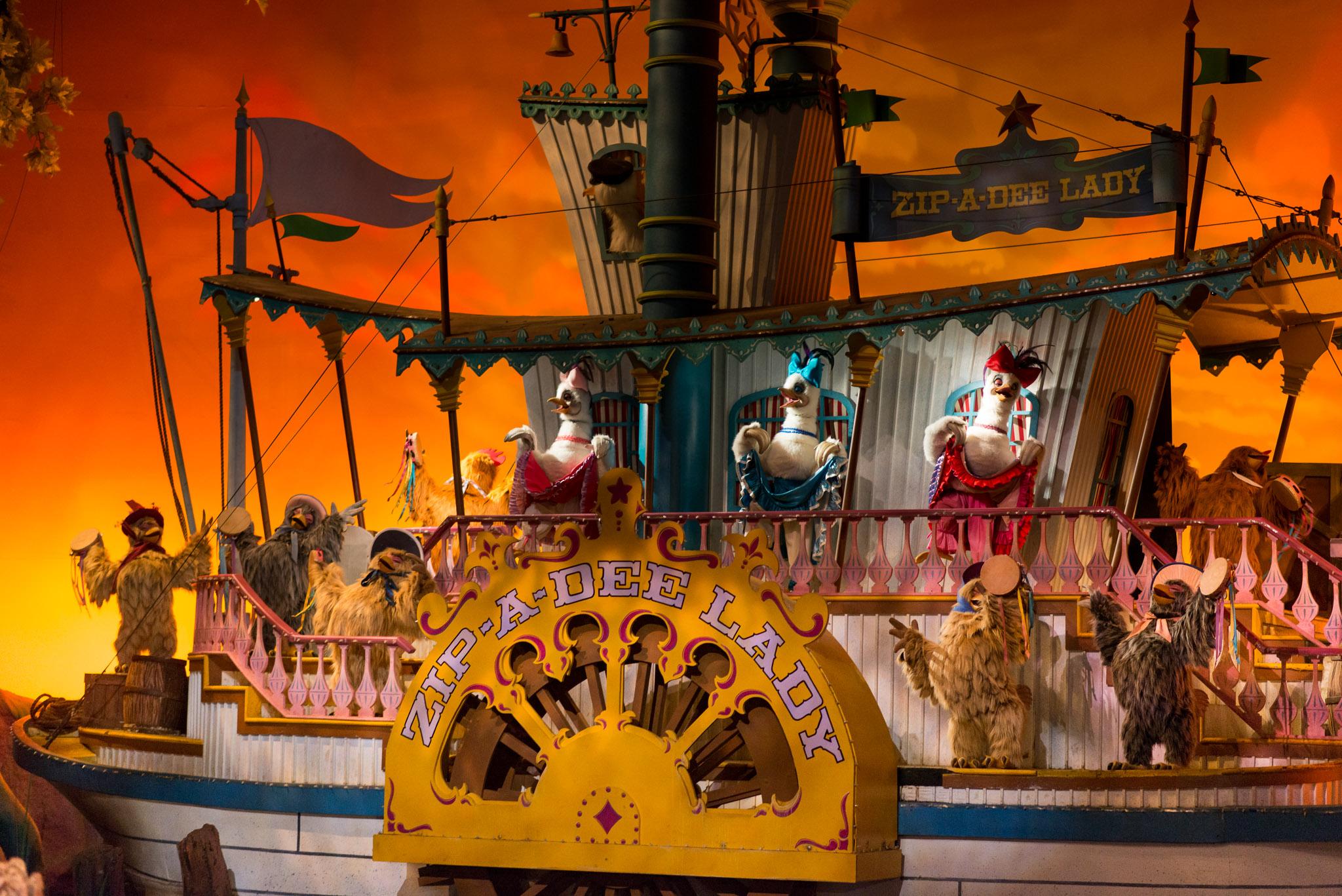 Splash Mountain Riverboat - Walt Disney World Magic Kingdom