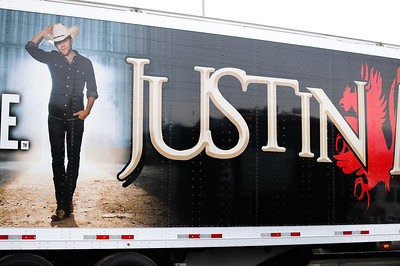 Justin Moore Meet & Greet