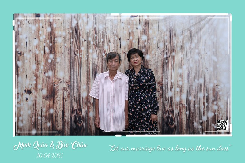 QC-wedding-instant-print-photobooth-Chup-hinh-lay-lien-in-anh-lay-ngay-Tiec-cuoi-WefieBox-Photobooth-Vietnam-cho-thue-photo-booth-075.jpg