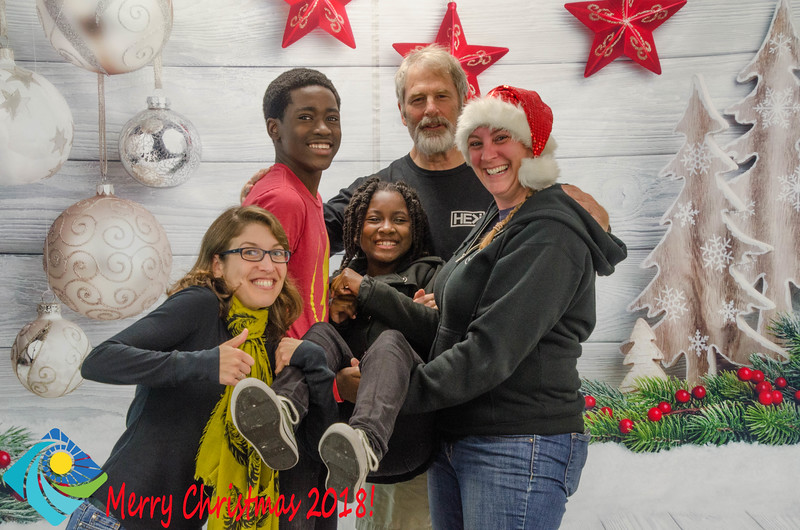 Christmas Photobooth 2018 Sunday-119.jpg