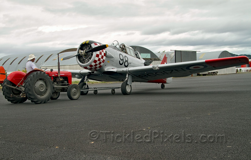 North American AT-6D Harvard III  NZ1098