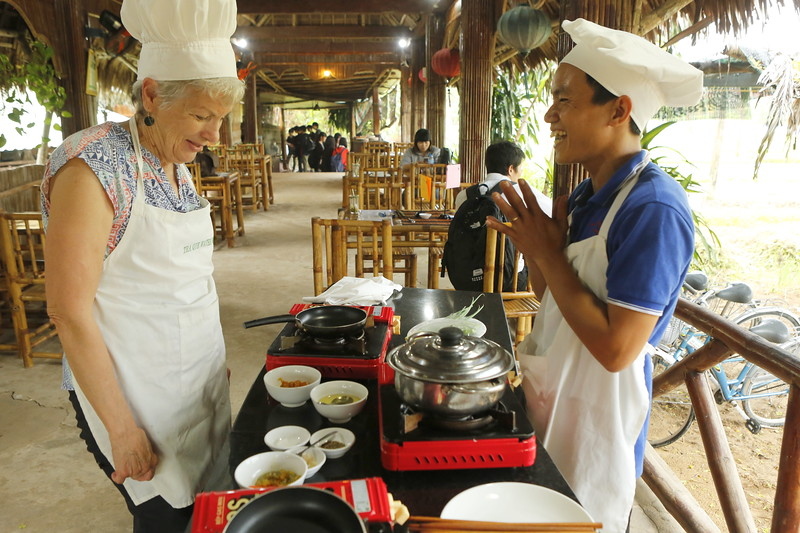 Sarah and Vietnamese Chef