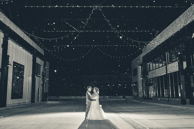 Beloit-WI-Ironworks-hotel-Wedding-Photographere_m_98.jpg