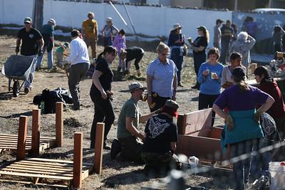 Volunteers launch Alameda Comunity Garden