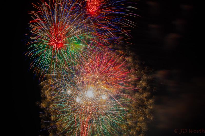 0705-0719 LOW Fireworks -Finale Urchin Burst-5444.jpg