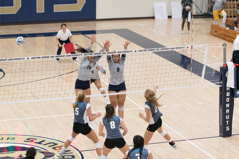 HPU Volleyball-93010.jpg