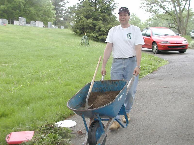 2004-05-15-Cemetery-Cleanup_003.jpg