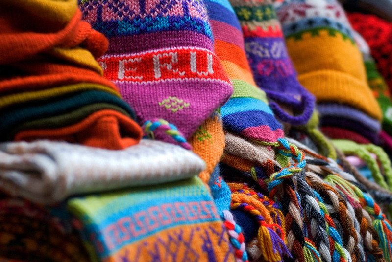 wool goods in lima market