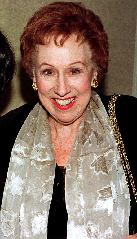 """. Actress Jean Stapleton poses for photographers as she arrives for the premiere of the new comedy film \""""Michael\"""" in Beverly Hills, California on December 19, 1996. Stapleton, best known for her role as Edith Bunker in the hit 1970s\' television series \""""All in the Family,\"""" has died at age 90, the Los Angeles Times reported on June 1, 2013. REUTERS/Fred Prouser/Files"""
