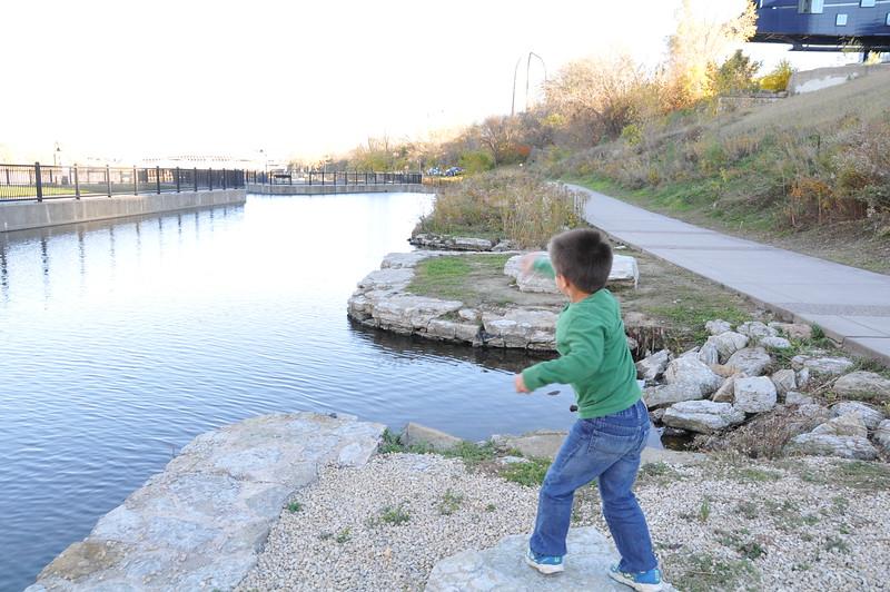 2014-10-25 Stone Arch Bridge 036.JPG