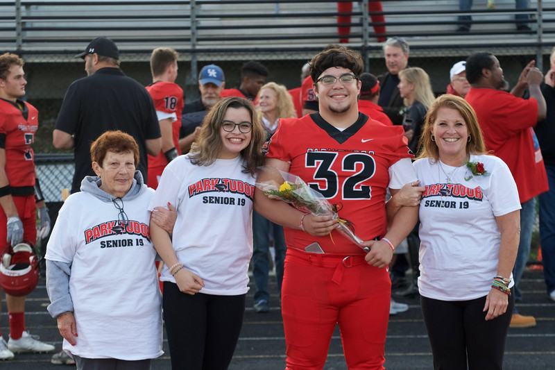 2018_09_28_FootballSeniorNight001.jpg